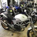 中古バイク屋に行って初バイクのVTR250を契約!