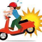 落ち葉や枝、マンホールなど道路に潜む危険なバイクの障害物